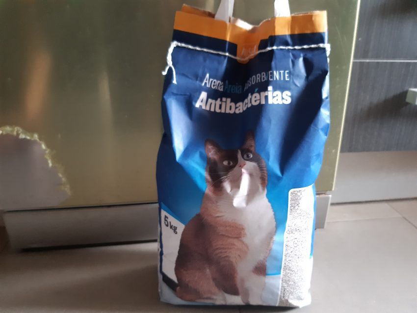 ¿En qué se parecen la arena de gato y las galletas de barquillo?